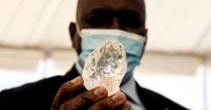 1098克拉巨鑽!南非挖出「世界第三大鑽石」 總統樂翻:經濟有救了!